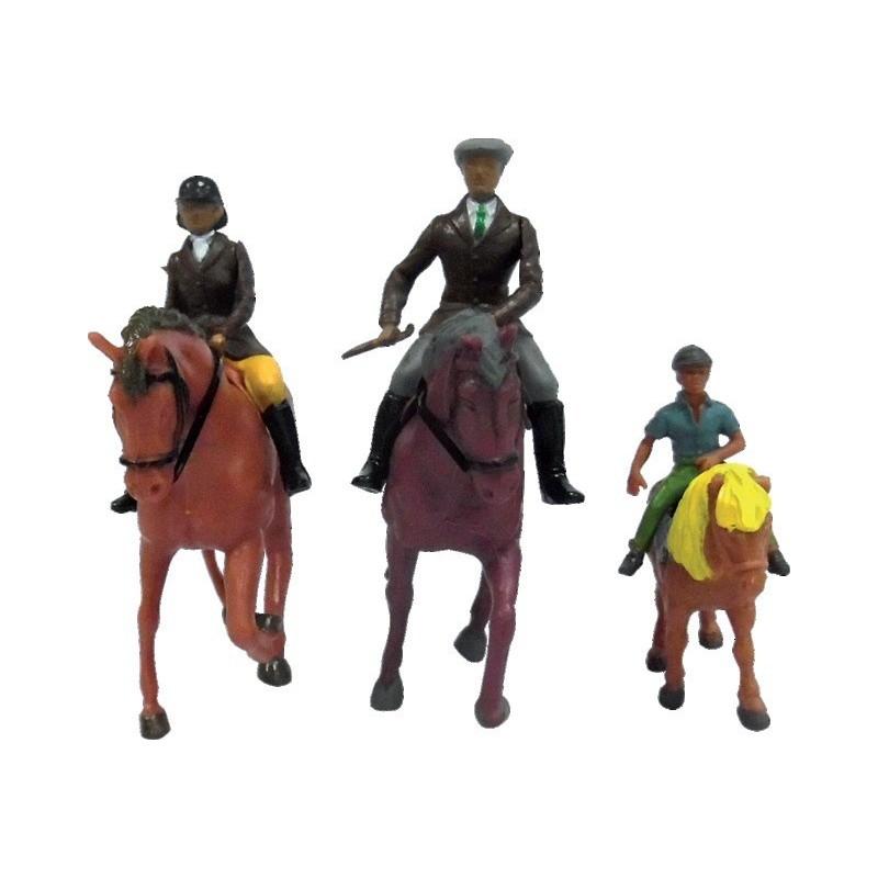 Chevaux et cavaliers 3 pièces
